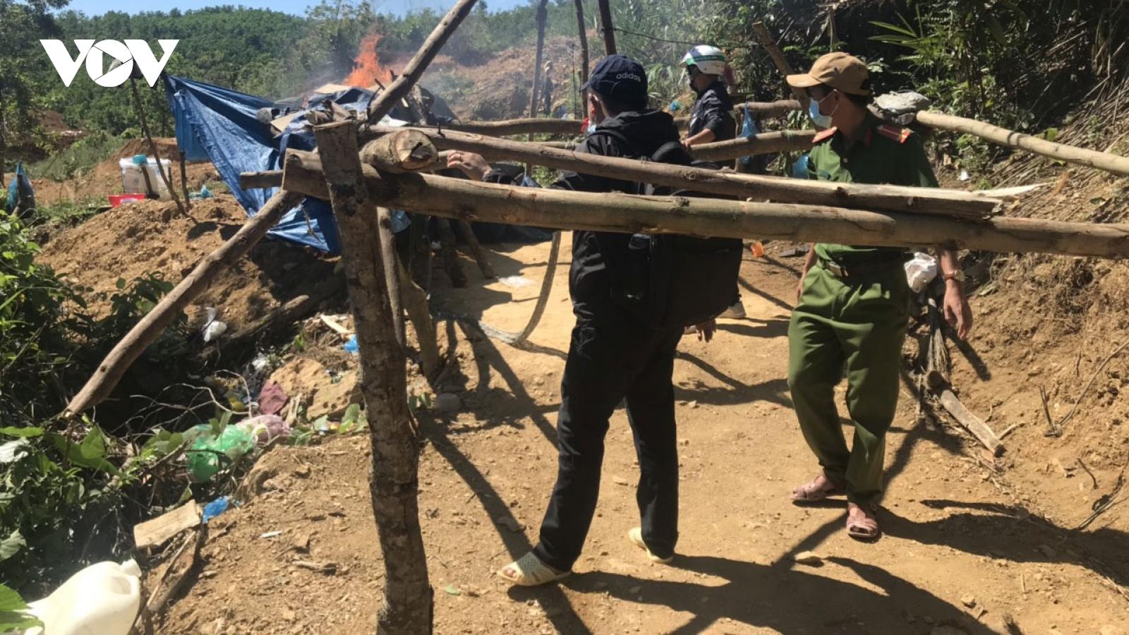 Truy quét đối tượng khai thác vàng trái phép tại Bồng Miêu