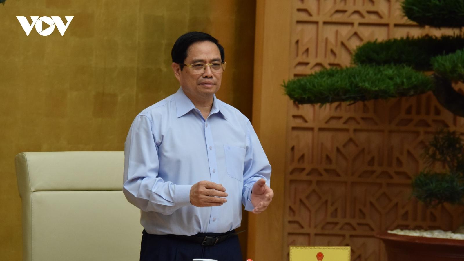 Thủ tướng: Tháo gỡ vướng mắc, thúc đẩy nhanh sản xuất vaccine trong nước