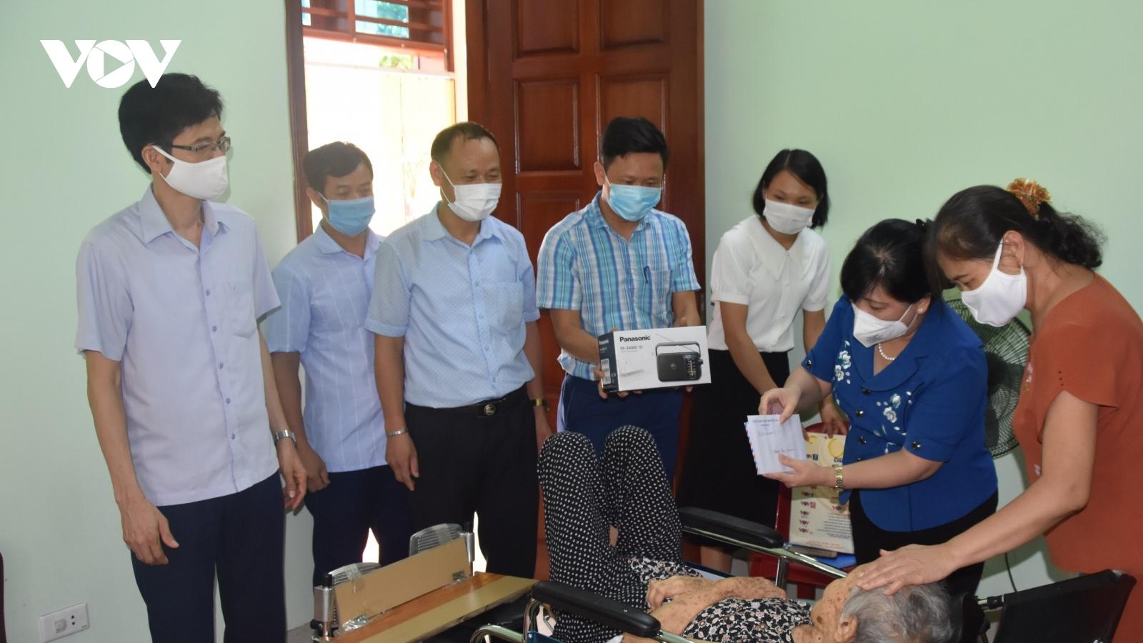 VOV tri ân gia đình chính sách, người có công ở Hưng Yên, Thái Bình