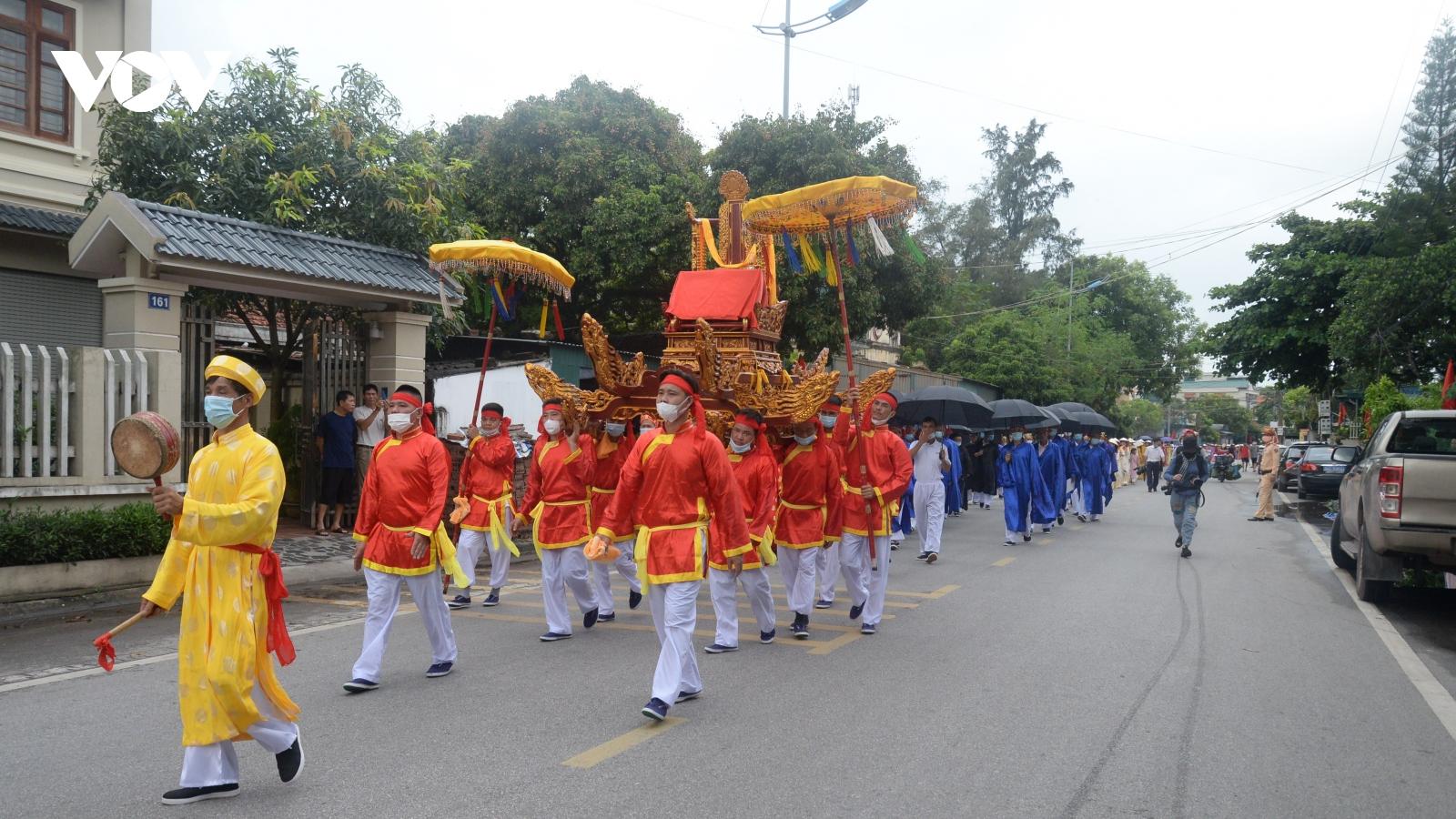 Thành phố Móng Cái khai hội Đình Trà Cổ