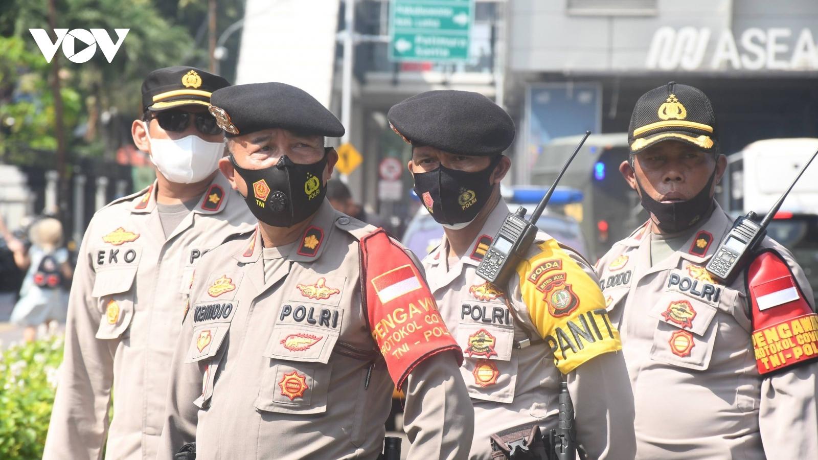 Thủ đô Jakarta (Indonesia) phong tỏa khẩn cấp trước làn sóng Covid-19 thứ hai