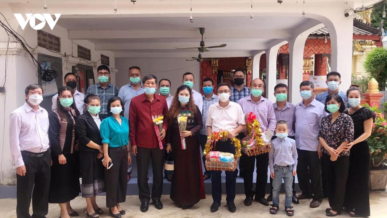 Tổng Lãnh sự quán Việt Nam tại Luang Prabang (Lào) kỷ niệm Ngày Thương binh - Liệt sĩ