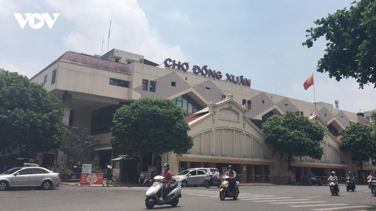 Hanoi's largest wholesale market left deserted amid COVID-19 threats