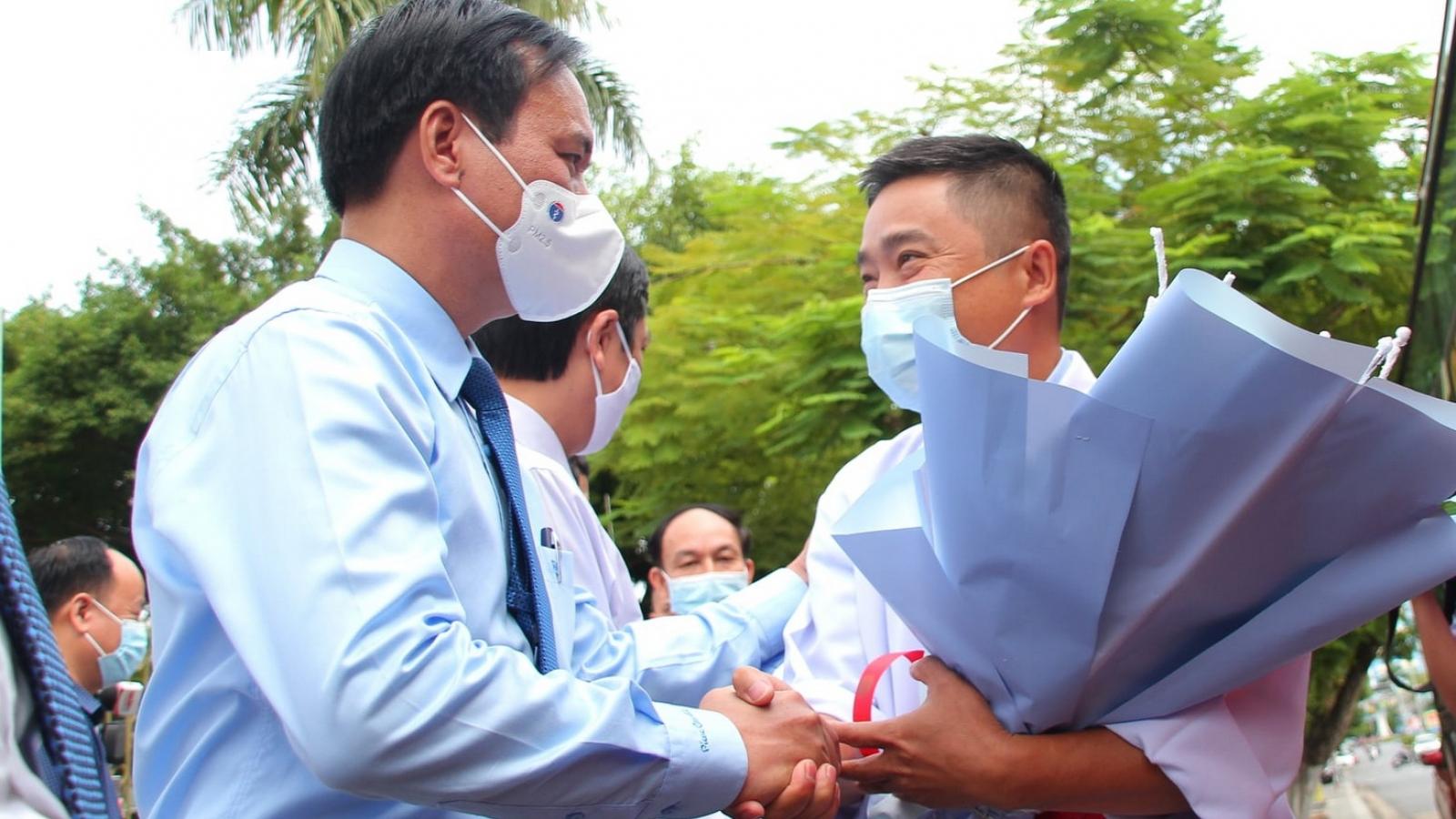35 bác sĩ, nhân viên y tế Quảng Trị vào Bình Dương hỗ trợ phòng, chống dịch Covid-19