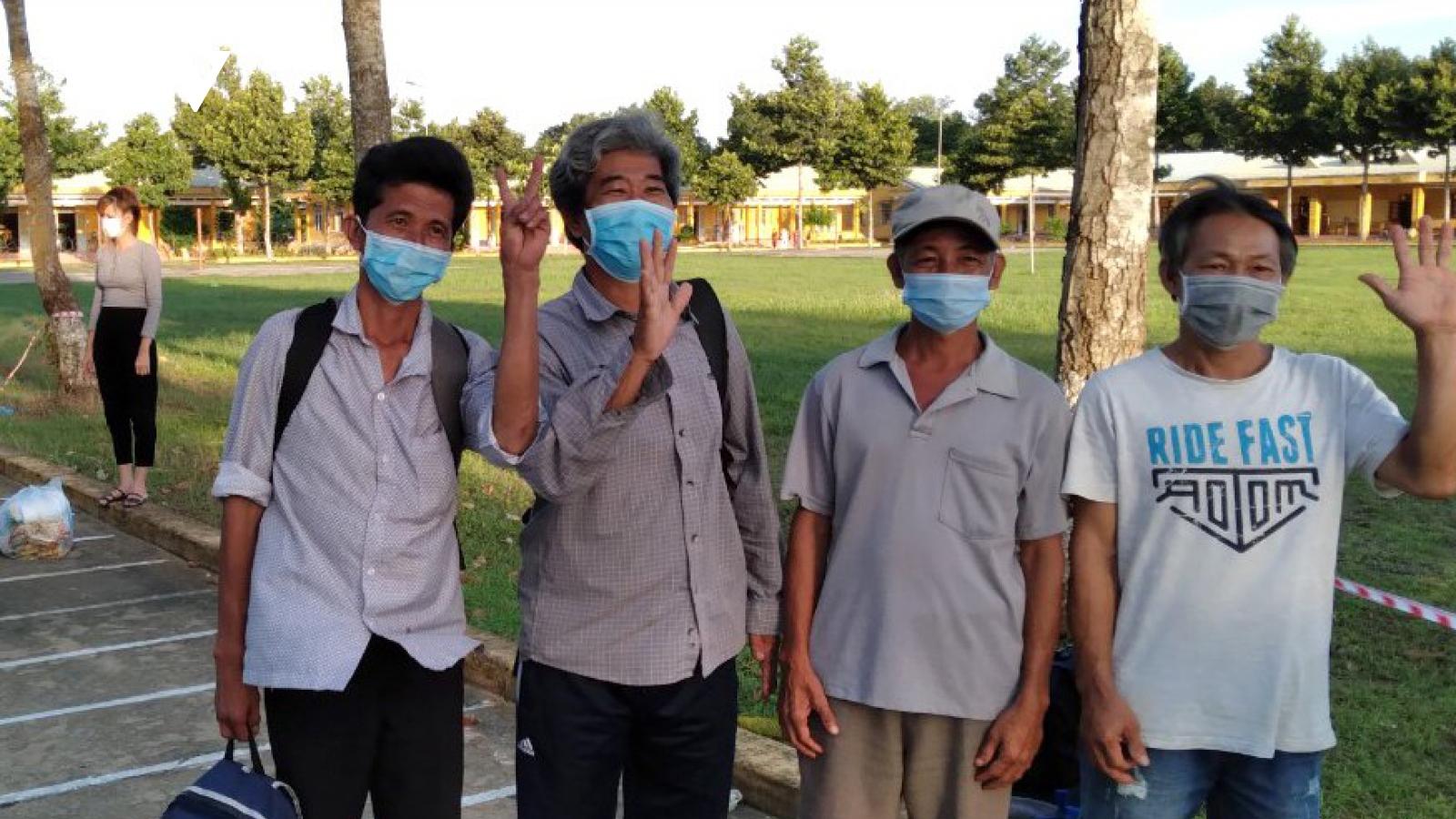 Tiền Giang: Bệnh viện dã chiếnquân đội điều trị 13 bệnh nhân Covid-19 đầu tiên khỏi bệnh