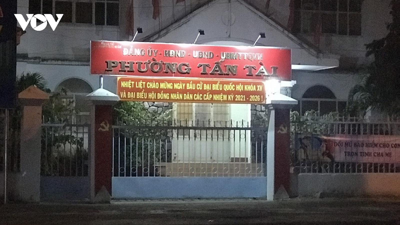 Chủ tịchTP Phan Rang-Tháp Chàm xin lỗi dân vụ lãnh đạo phường làm sai quy định phòngdịch