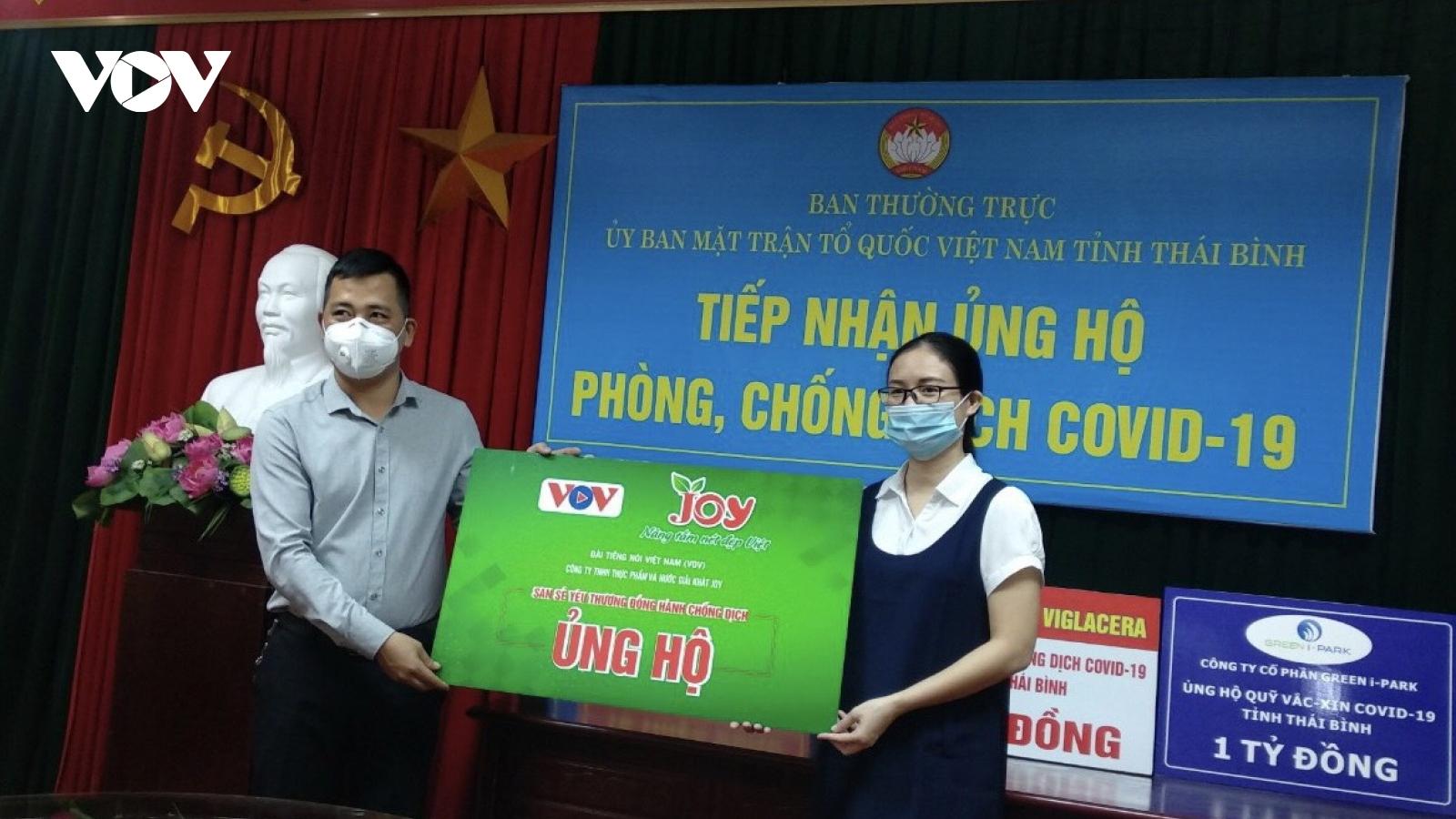 VOV tiếp tục trao quà ủng hộ phòng, chống dịch COVID-19 tại 4 tỉnh
