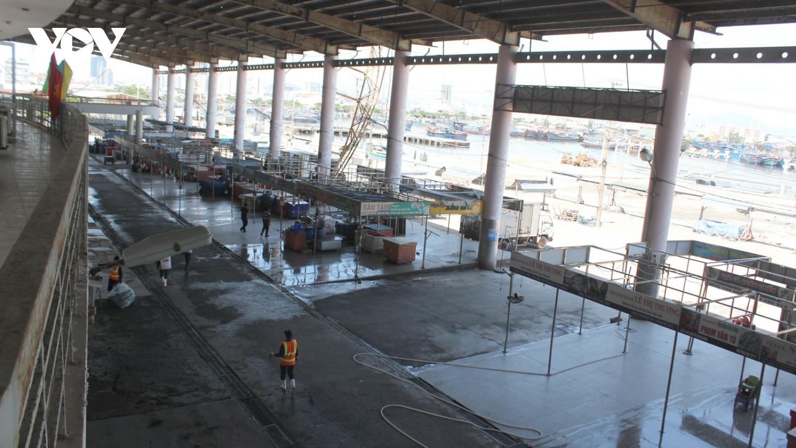 Đà Nẵng kiểm soát phương tiện như thế nào khi cảng cá Thọ Quang đóng cửa?