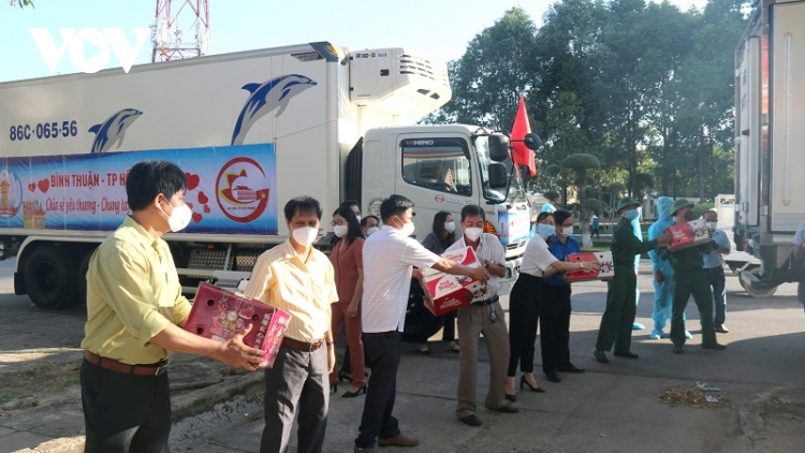 Bình Thuận, Kon Tum hỗ trợ thực phẩm cho nhân dân TP.HCM và Bình Dương