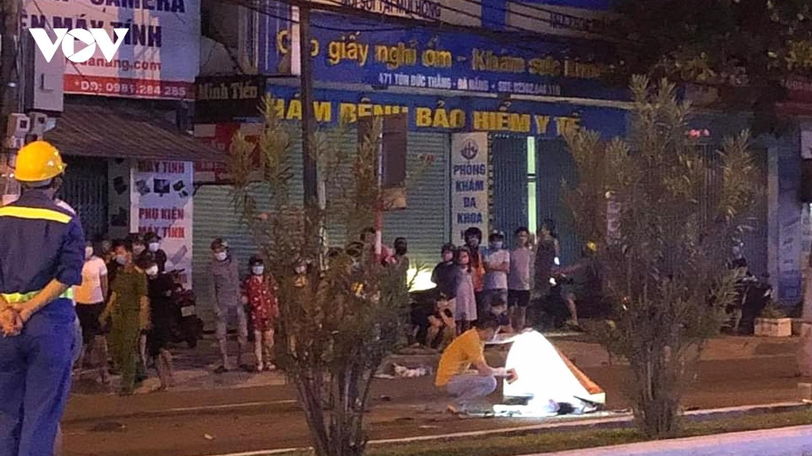 Va chạm với xe đầu kéo tại Đà Nẵng, nam thanh niên đi xe máy tử vong