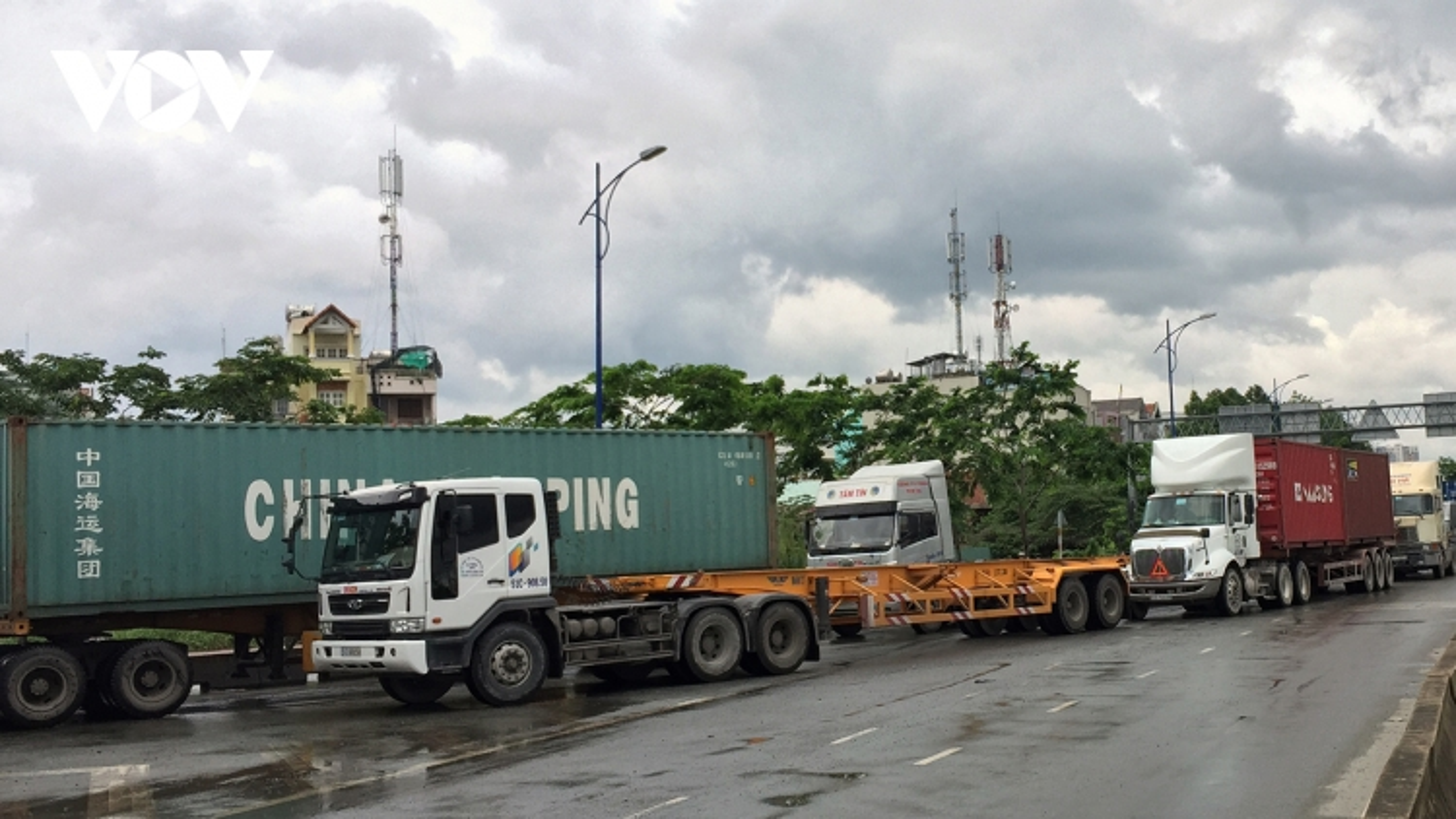 """Đề xuất tận dụng chiều """"rỗng"""" xe container để chở hàng từ miền Tây về TP.HCM"""