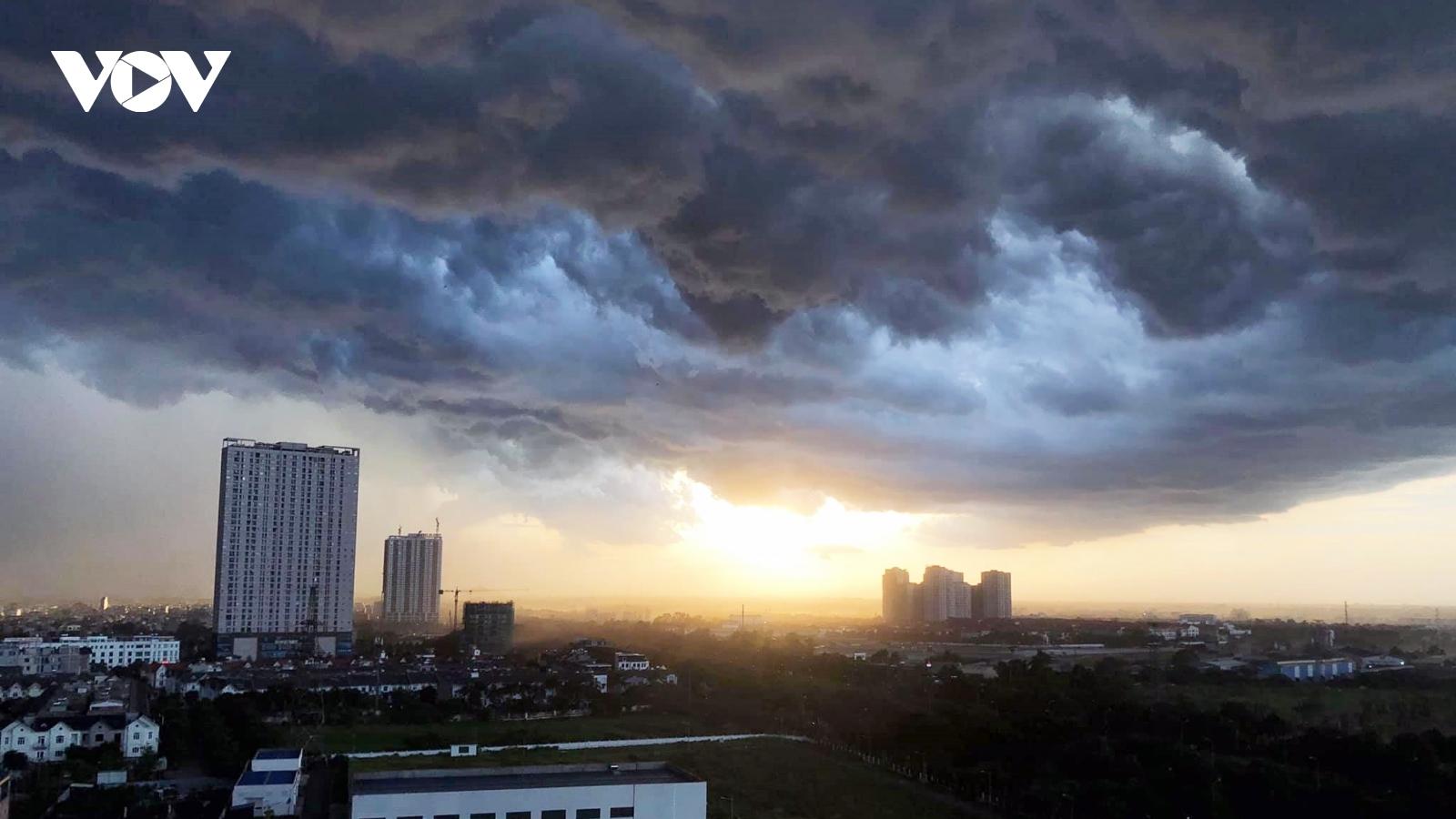 Dự báo thời tiết hôm nay: Miền Trung, miền Nam có mưa rào và dông rải rác