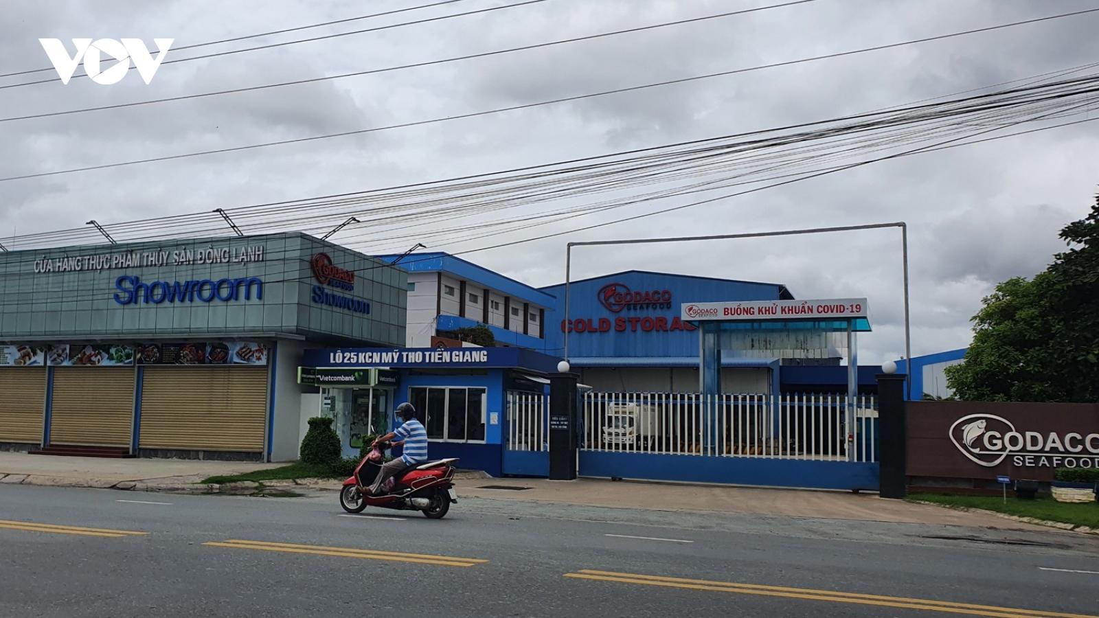 Mộtdoanh nghiệp ở Tiền Giang có 180 ca dương tính SARS-CoV-2 , dập dịch khó khăn