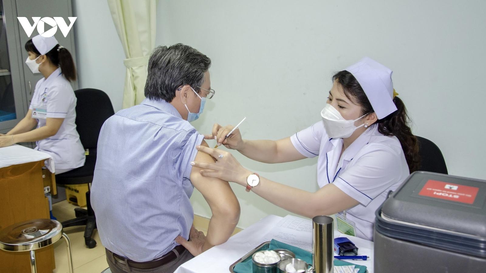 Bà Rịa - Vũng Tàu đủ vaccine tiêm miễn phí cho 70% dân số