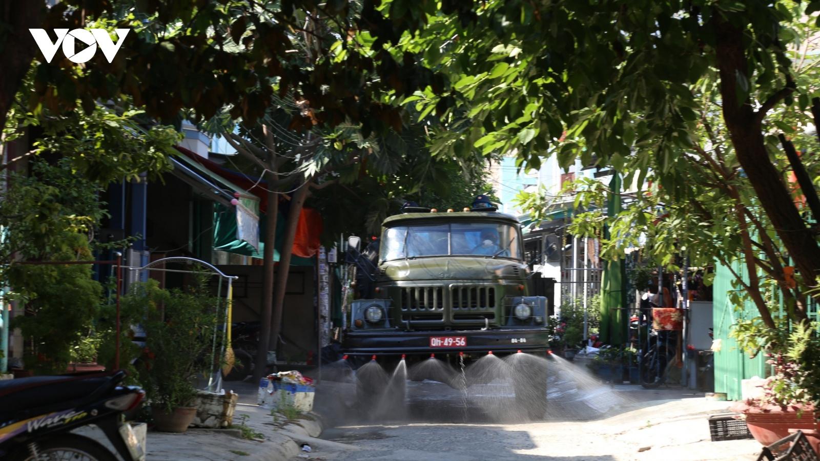Vùng 4 Hải quân hỗ trợ Khánh Hoà phòng chống dịch Covid-19