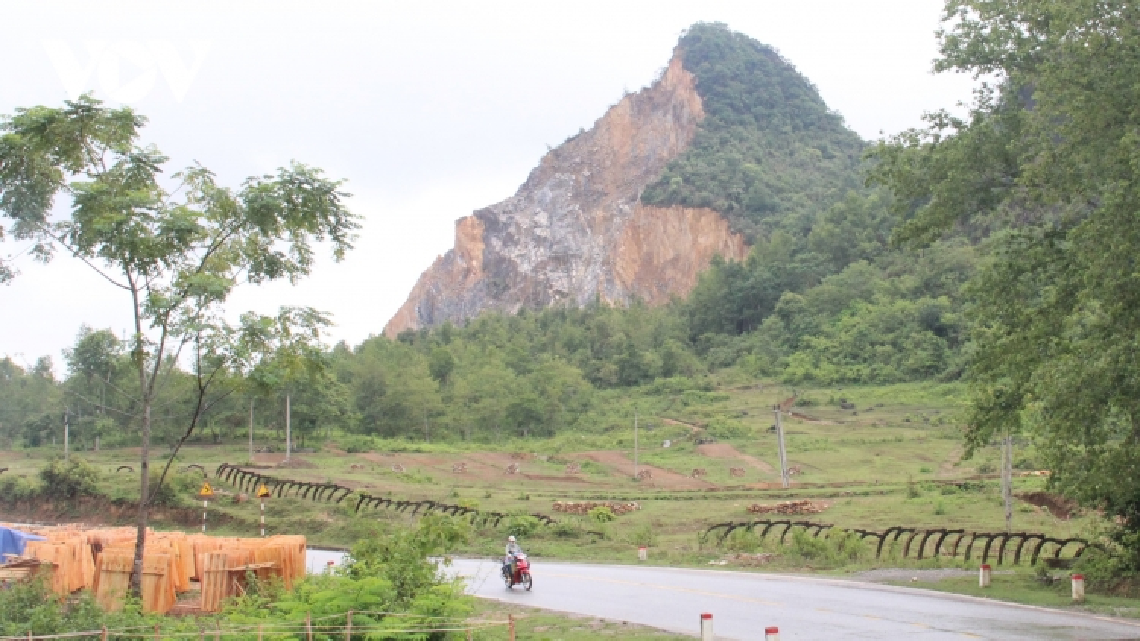 Giảm thiểu tác động khai thác khoáng sản đến công viên địa chất toàn cầu Cao Bằng