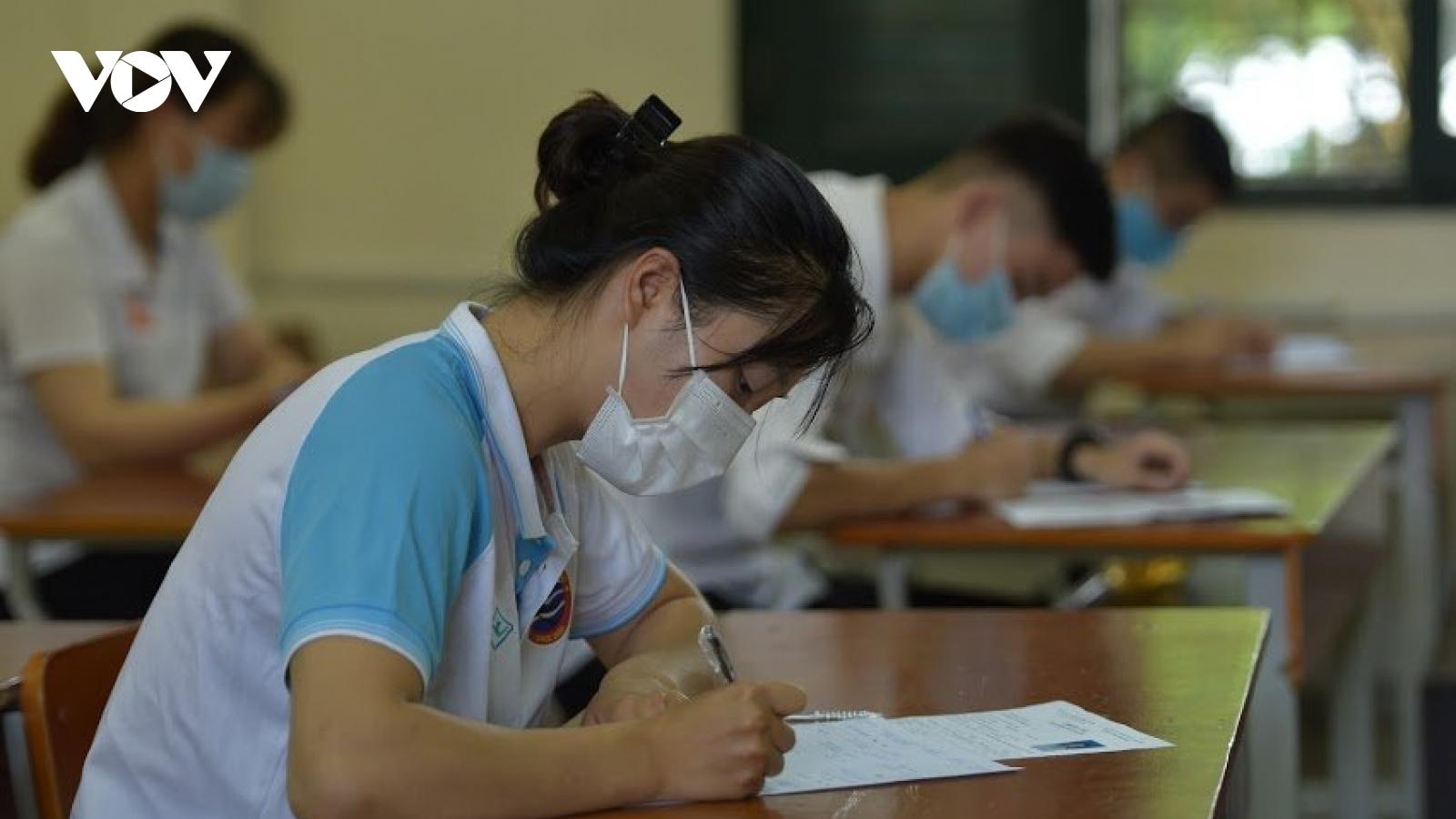 Thí sinh Kon Tum thủ khoa khối D cả nước với điểm môn Anh văn đạt tuyệt đối