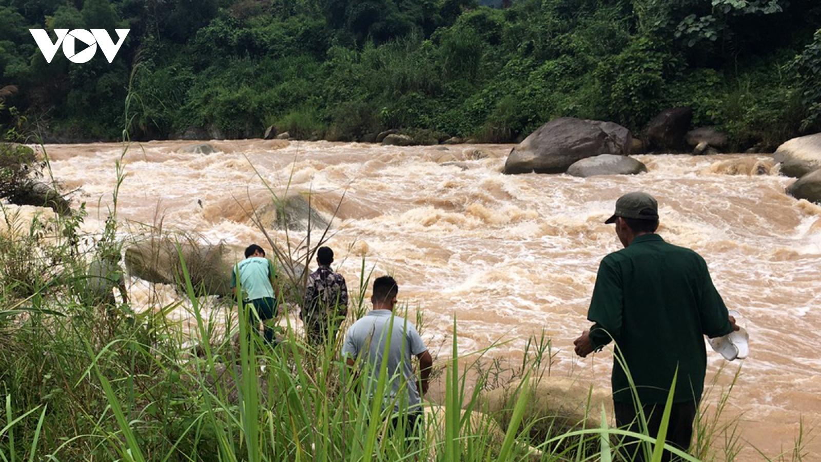 Tìm thấy thi thể một nạn nhân bị lũ suối cuốn trôi ở Lai Châu