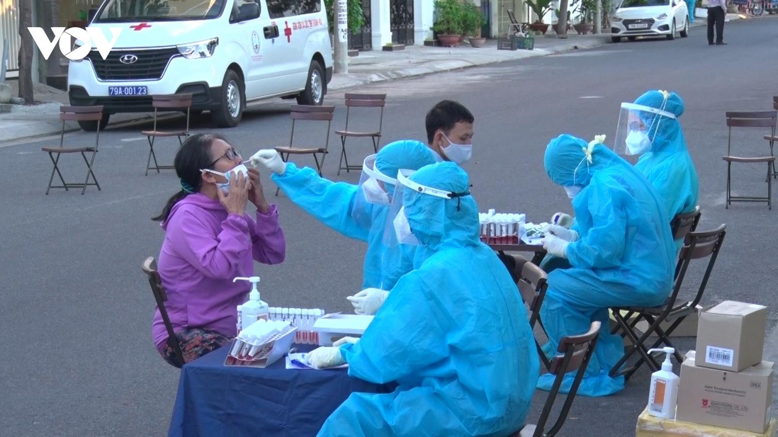 Thành phố Nha Trang phong tỏa 11 xã, phường sau loạt ca mắc Covid-19 cộng đồng