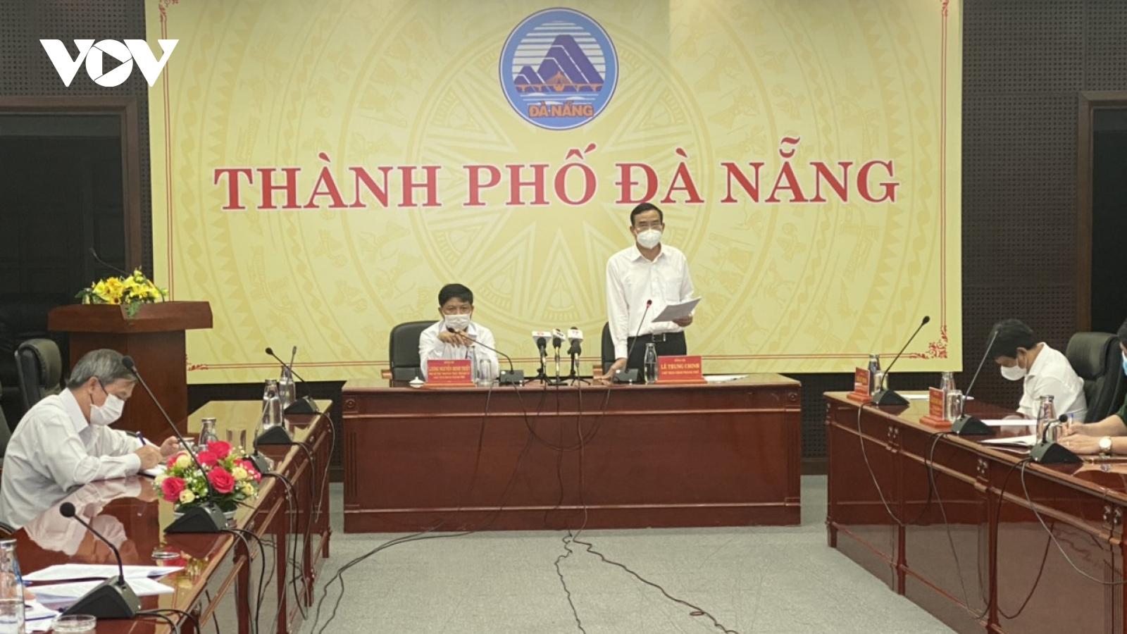Đà Nẵng: Không cấm bán hàng ăn mang về, không tạm dừng thi công công trình xây dựng