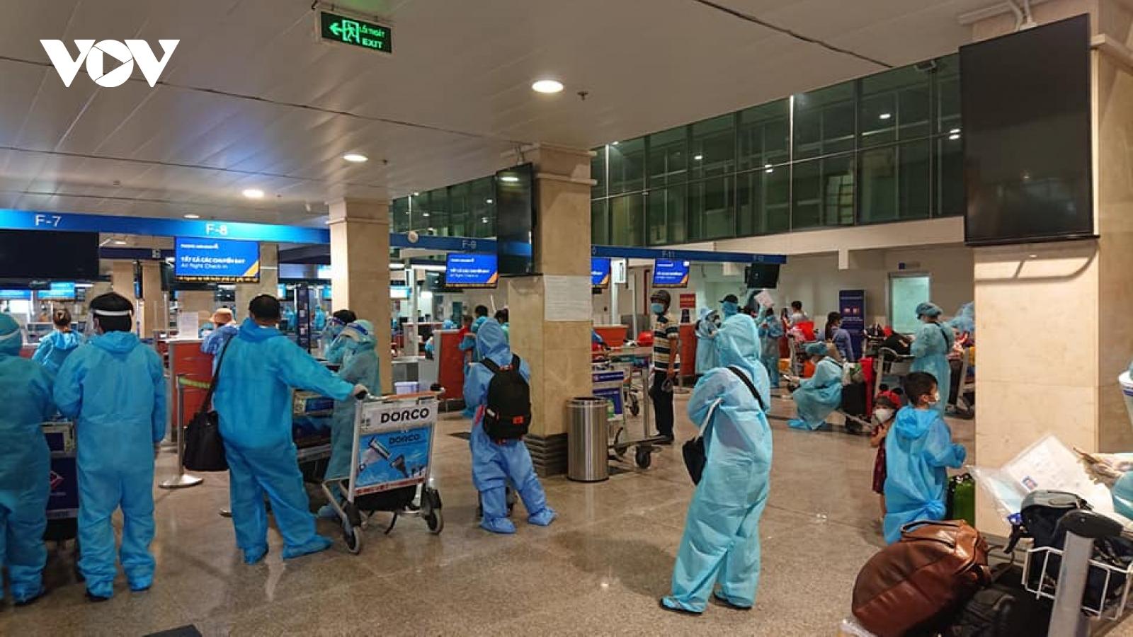 Quảng Nam có thêm 400 người về từ TP.HCM trên 2 chuyến bay miễn phí