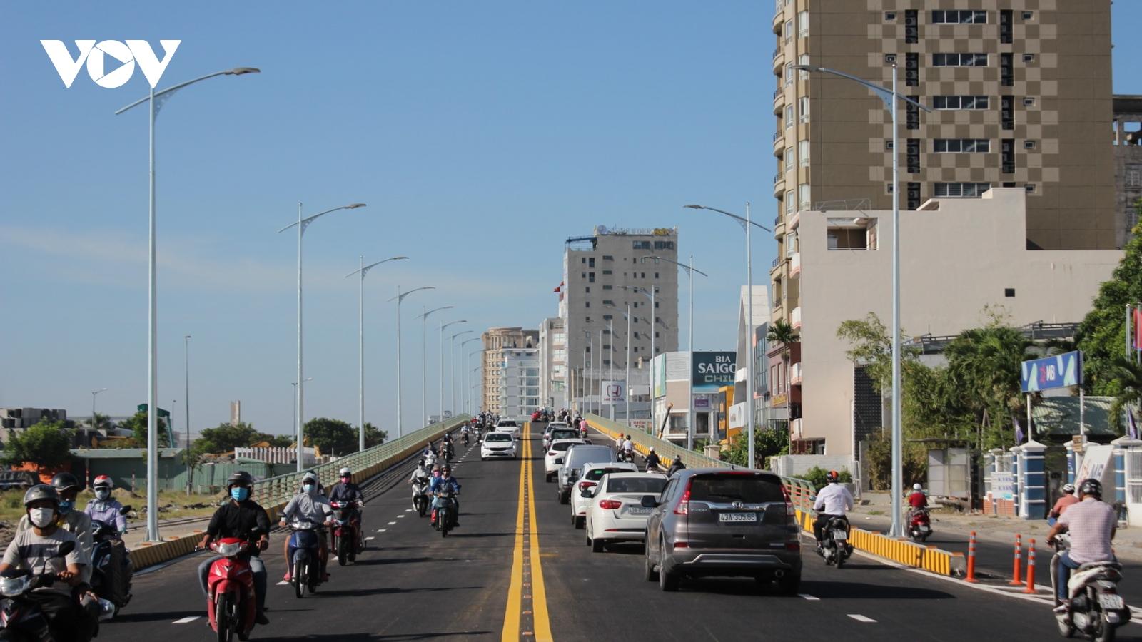 Thông xe cầu vượt nút giao thông phía Tây cầu Trần Thị Lý- Đà Nẵng
