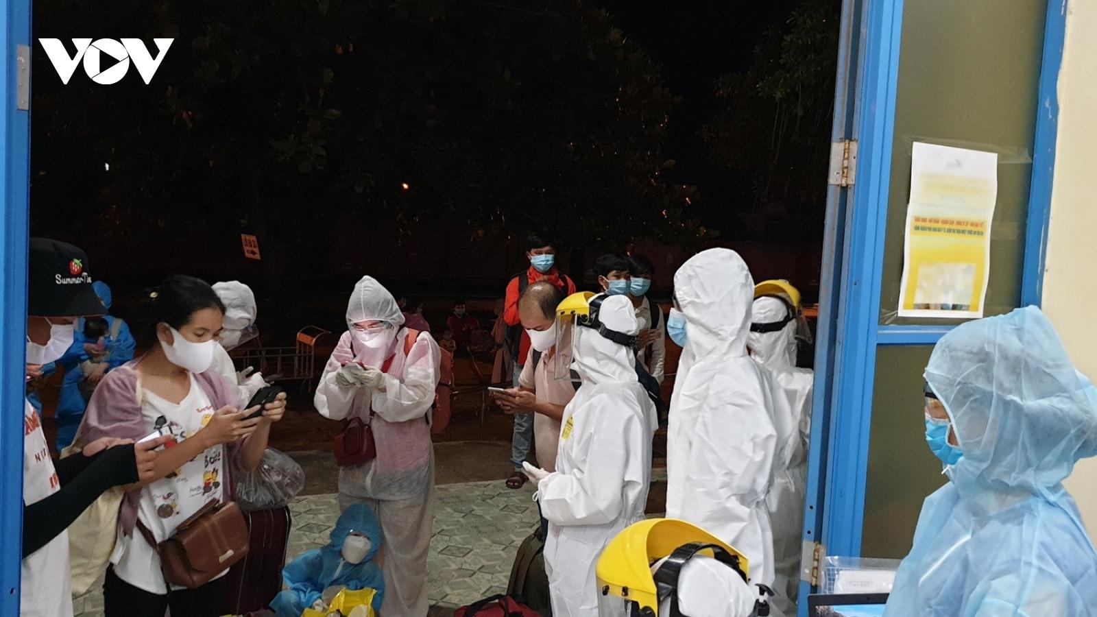 Huế không tiếp nhận người từ TP.HCM về, công dân Huếphải ra Quảng Trị cách ly tập trung