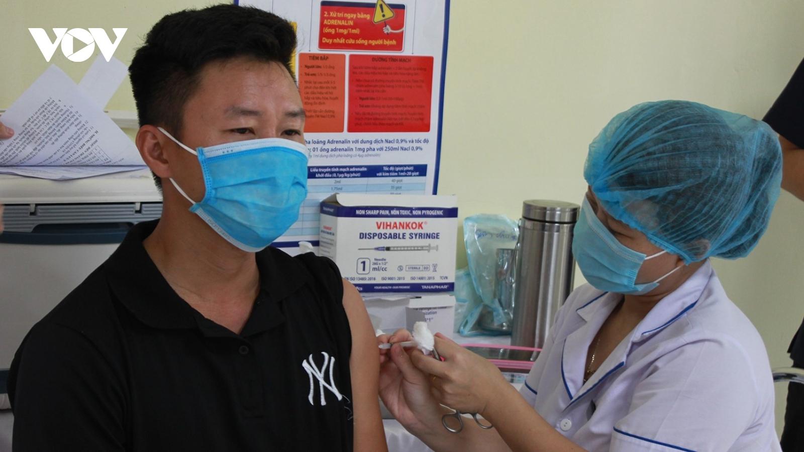 Bệnh viện 199 tiêm gần 3.400 liều vaccine phòng Covid-19 cho tuyến đầu chống dịch