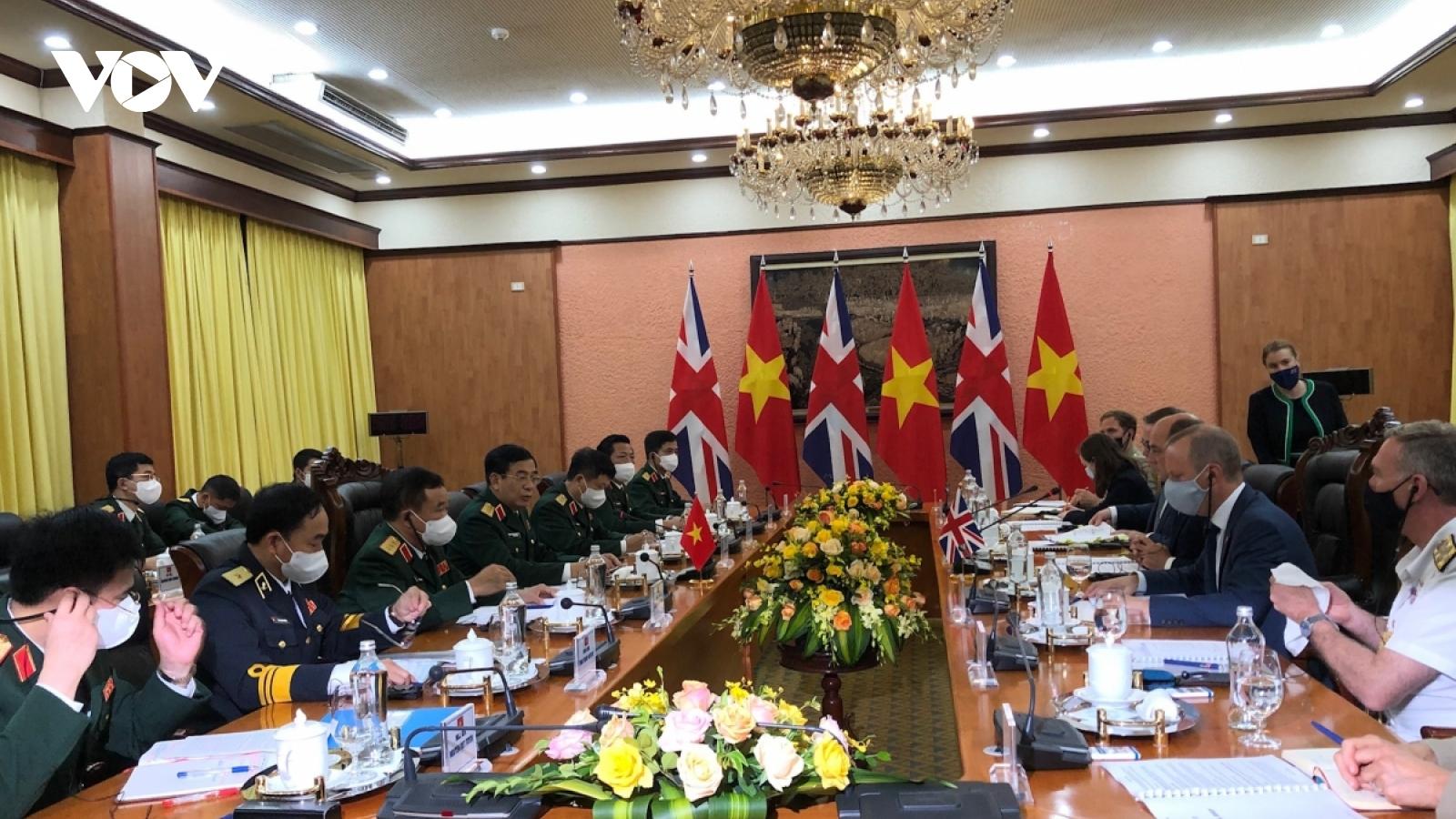 Vietnam, UK seek to forger stronger defence links