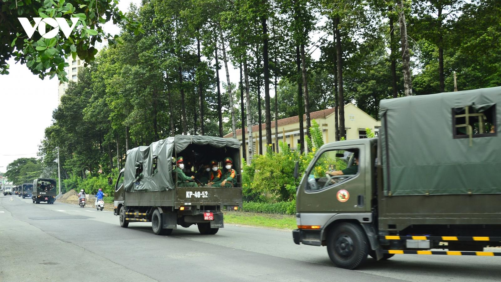 Công an và Quân đội phối hợp chốt chặn, tuần tra toàn TP.HCM