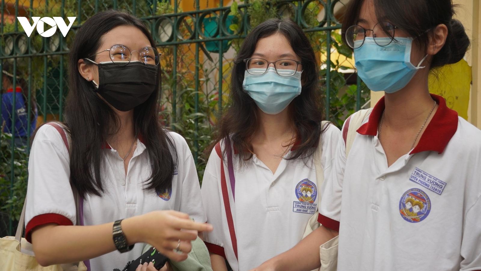 Thí sinh cả nước kết thúc kỳ thi THPT năm 2021 an toàn