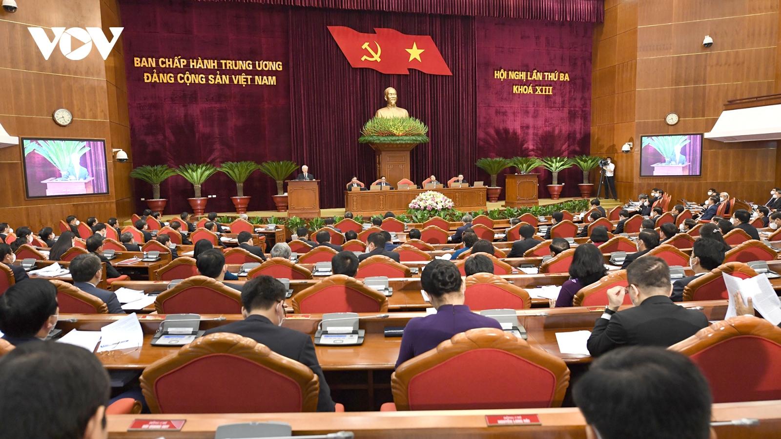 Thông cáo báo chí phiên bế mạc Hội nghị Trung ương 3 khoá XIII