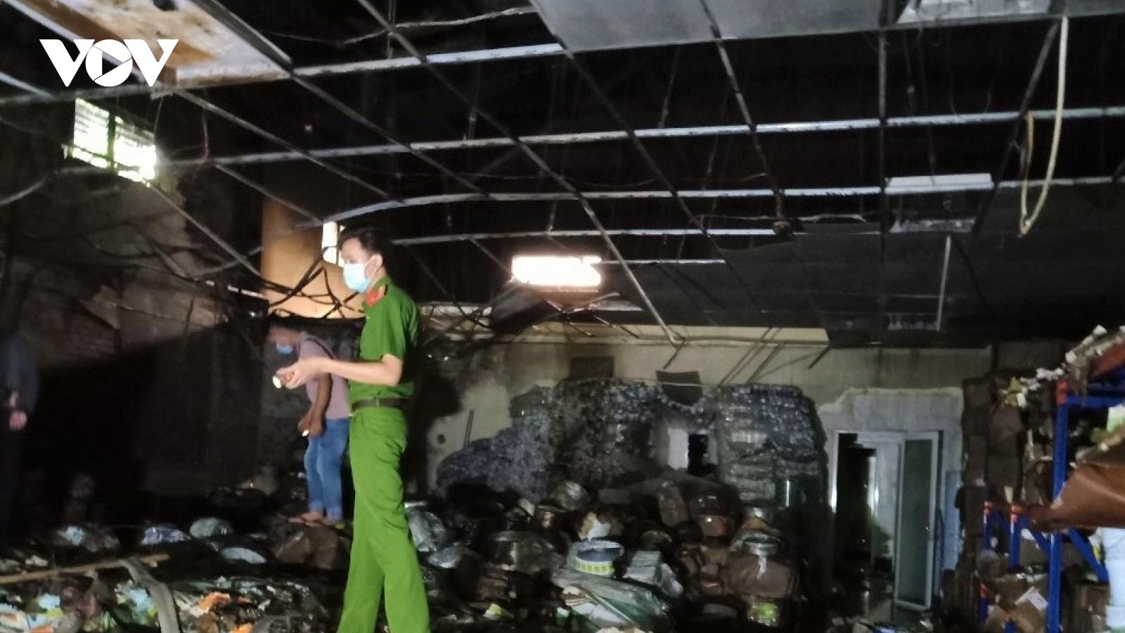 Cháy kho chứa bao bì ở Cần Thơ ngay trong đêm, thiệt hại gần 1,5 tỷ