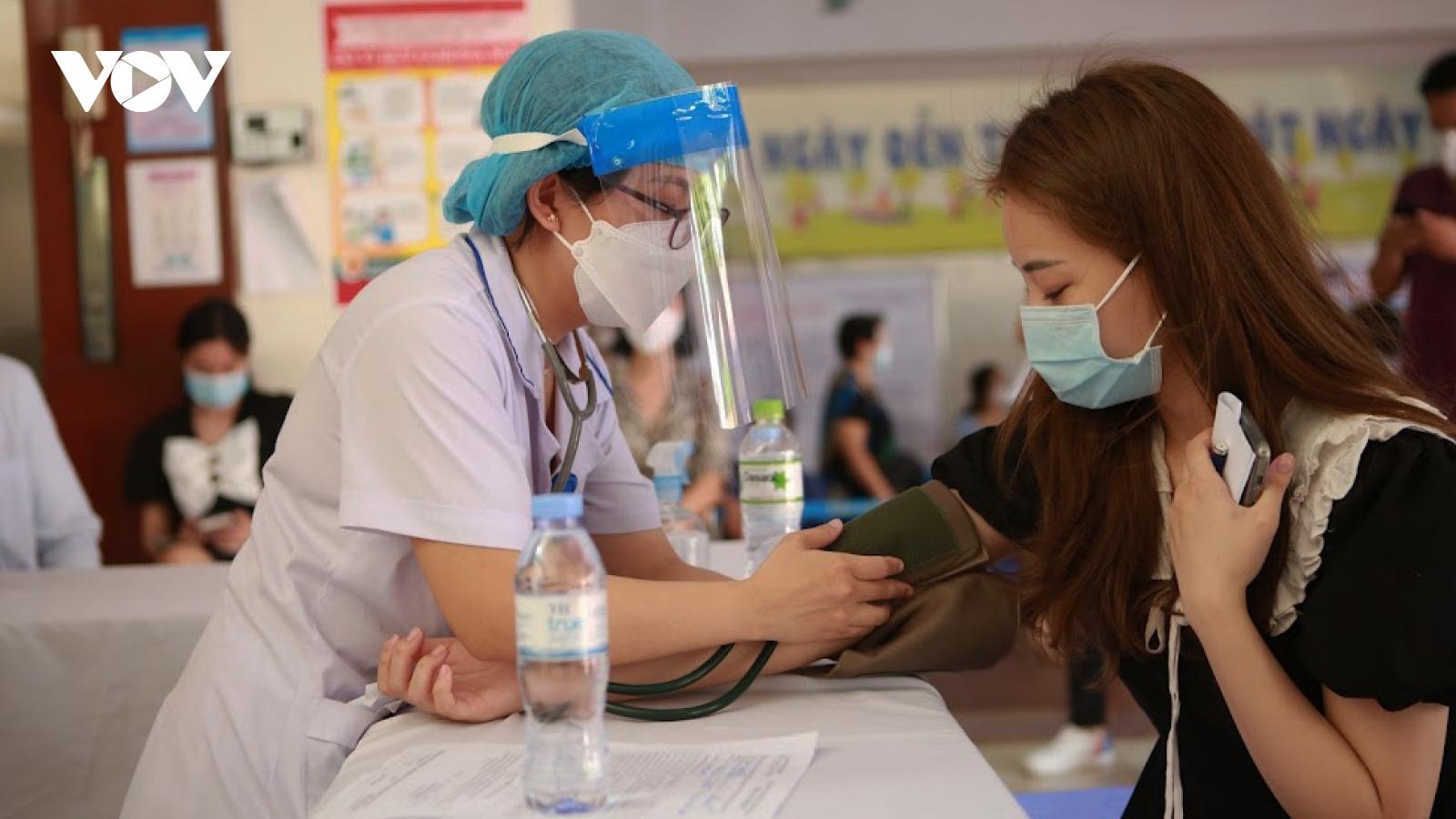Hà Nội tiến hành chiến dịch tiêm vaccine cho người dân trên địa bàn