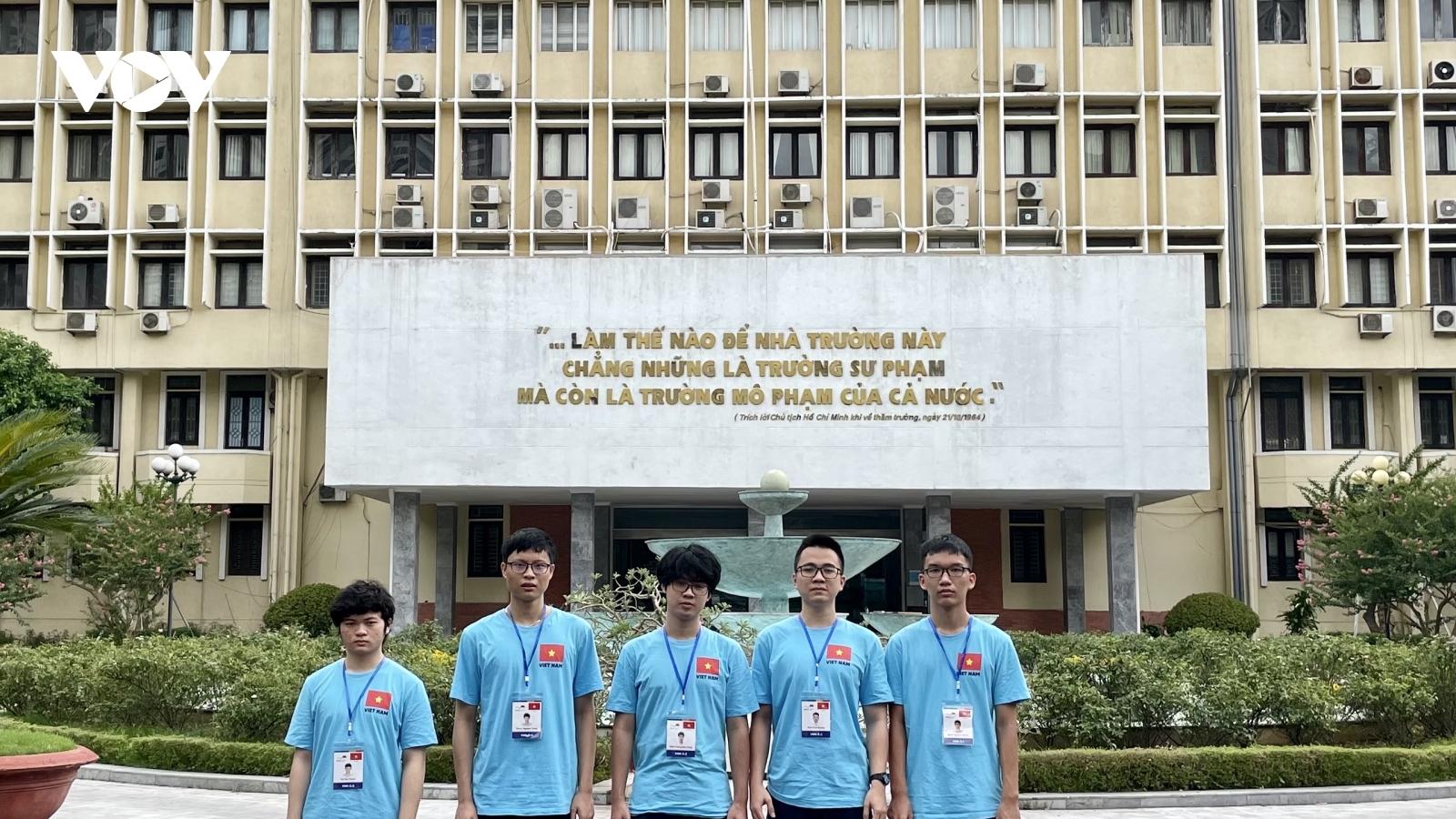 Cả 5 học sinh Việt Nam đều giành huy chương tại Olympic Vật lý 2021