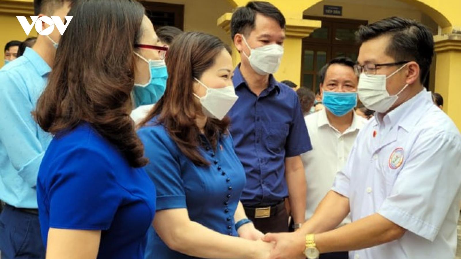 44 thầy thuốc tỉnh Yên Bái hỗ trợ TP.HCM khống chế dịch Covid-19