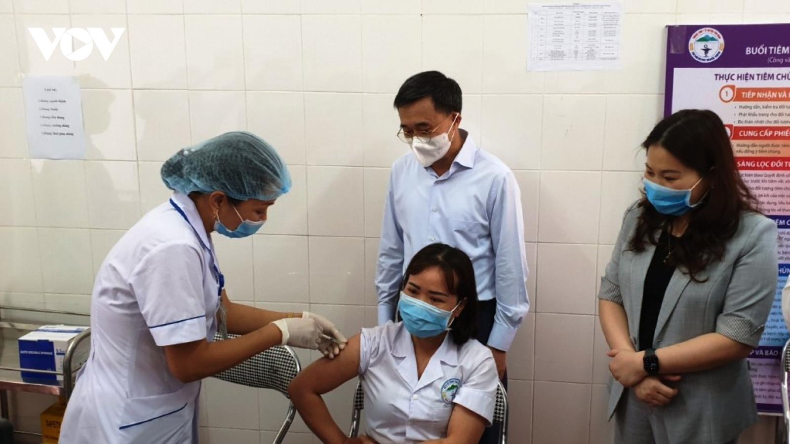 Yên Bái đã tiêm vaccinephòng Covid-19 cho trên 35.000 người