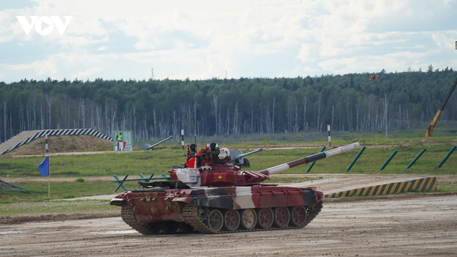 Đội tuyển xe tăng Việt Namcó khởi đầu tốt tại Army Games 2021