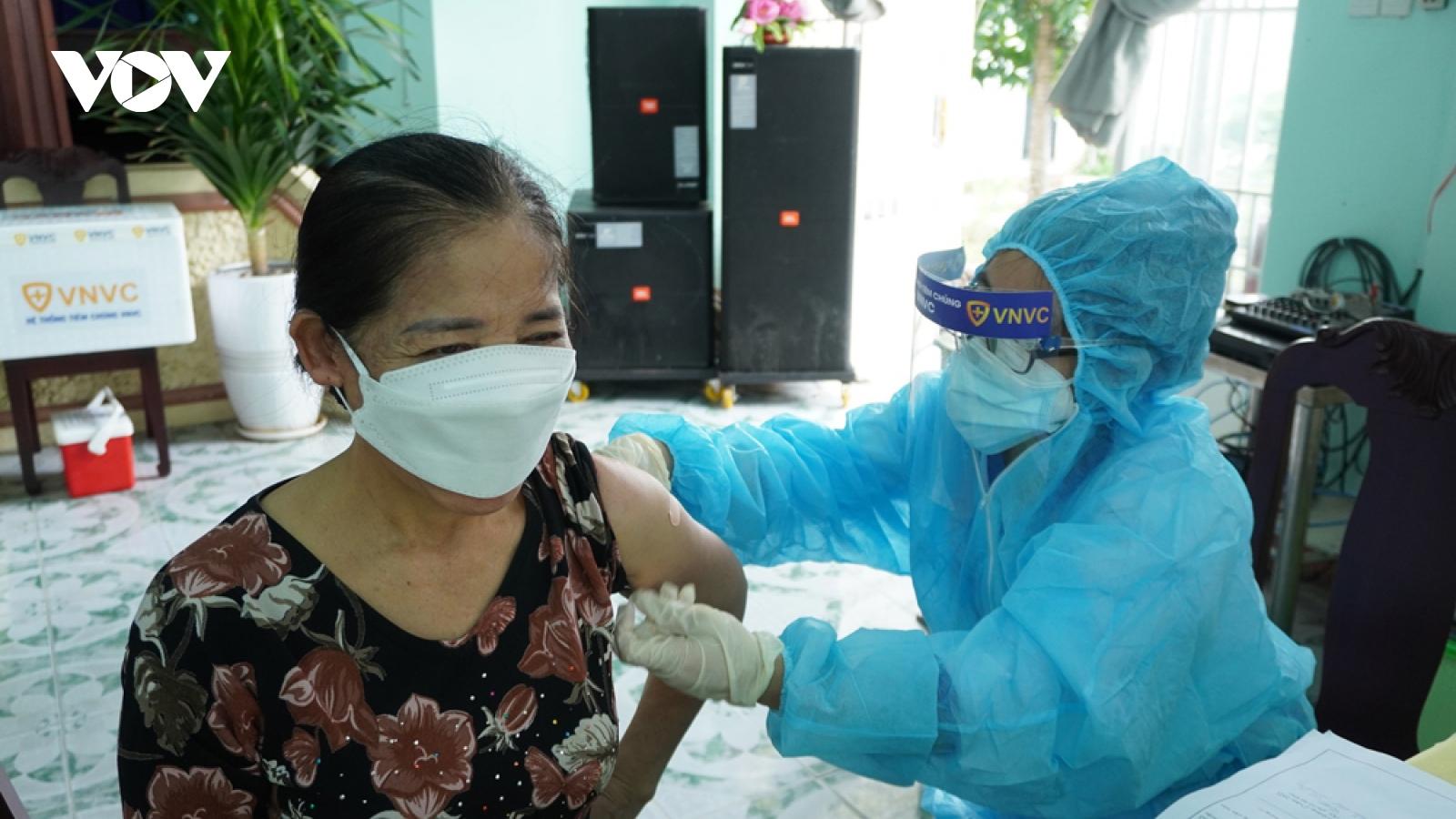 Bình Dương đặt mục tiêu tiêm 100.000 liều vaccine phòng Covid-19 trong một ngày