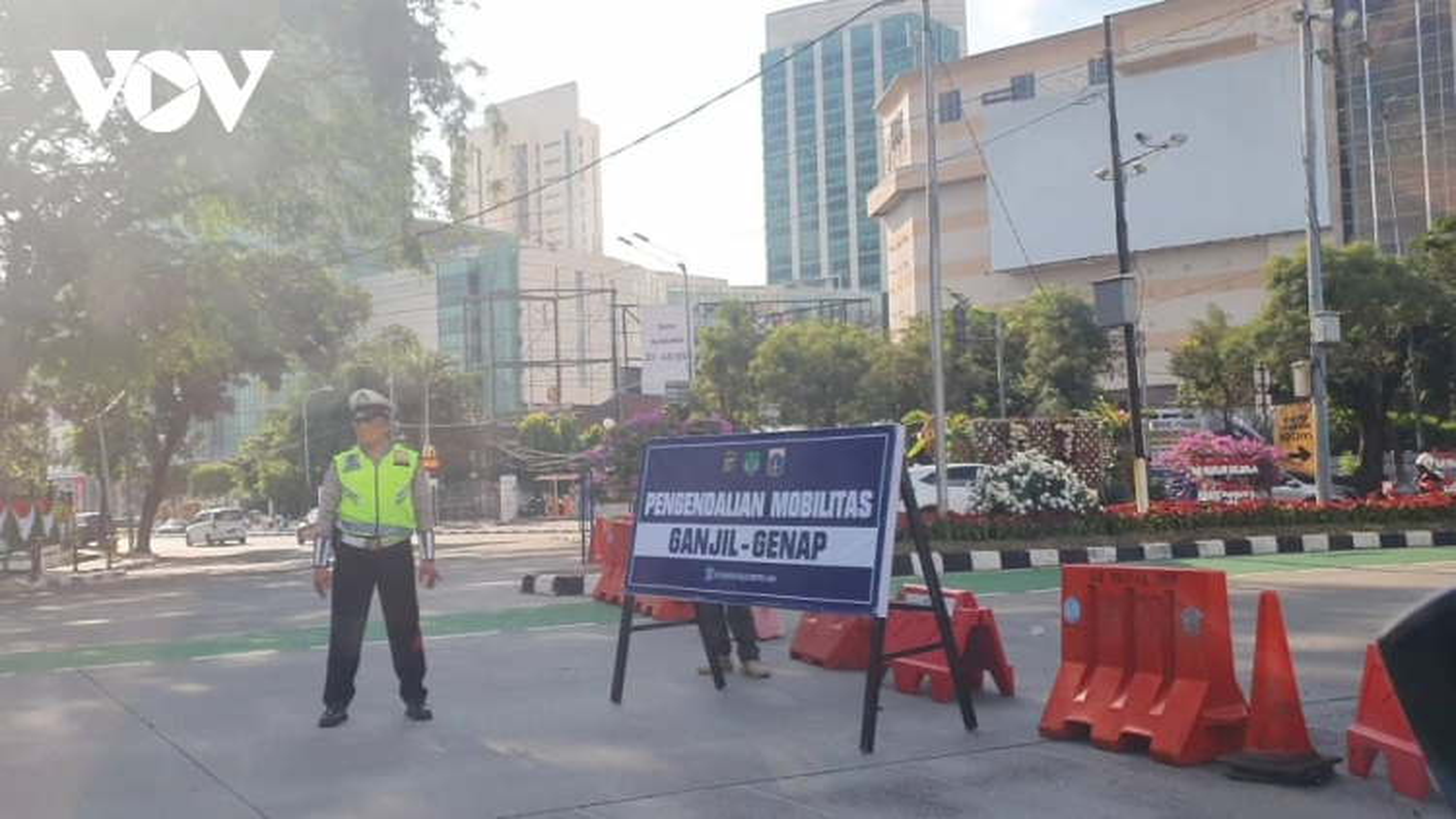 """Thủ đô Jakarta của Indonesia trở thành """"Vùng xanh"""" với Covid-19"""