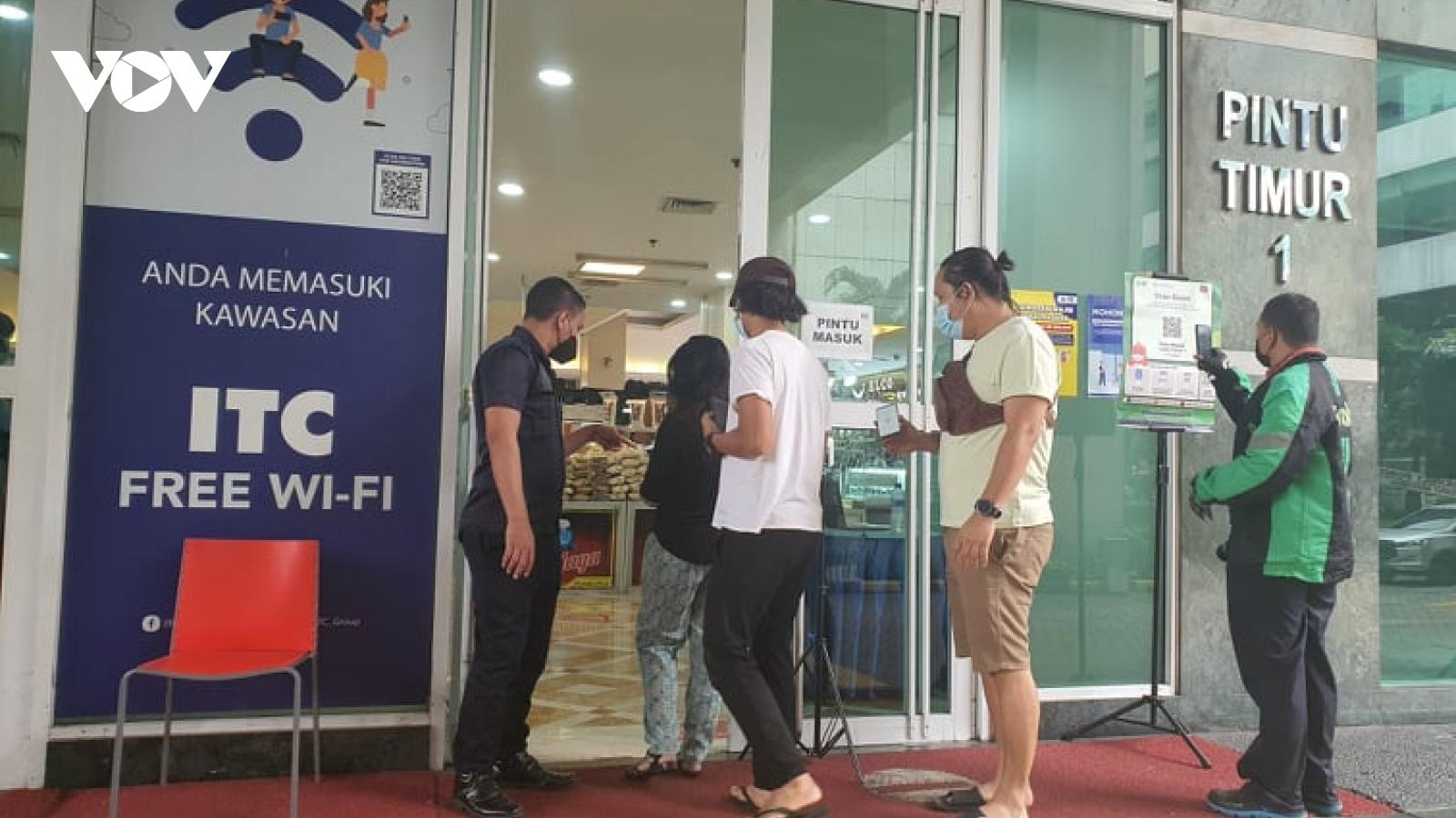 Số ca mắc Covid-19 tại Indonesiagiảm hơn 90%