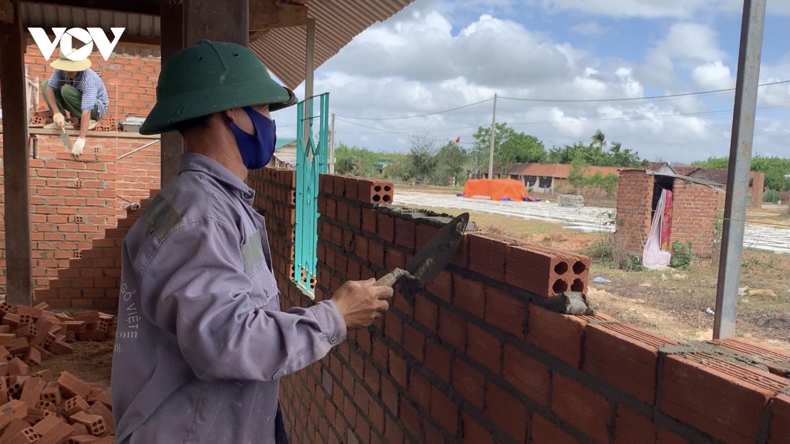 Đắk Lắk hỗ trợ lao động không có giao kết hợp đồng gặp khó do Covid-19