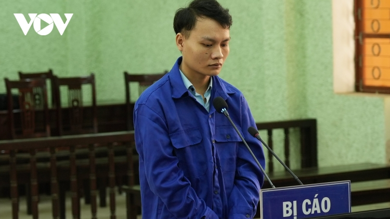 Đối tượng giả danh Công an, giao cấu với người dưới 16 tuổi bị tuyên án 5 năm tù giam