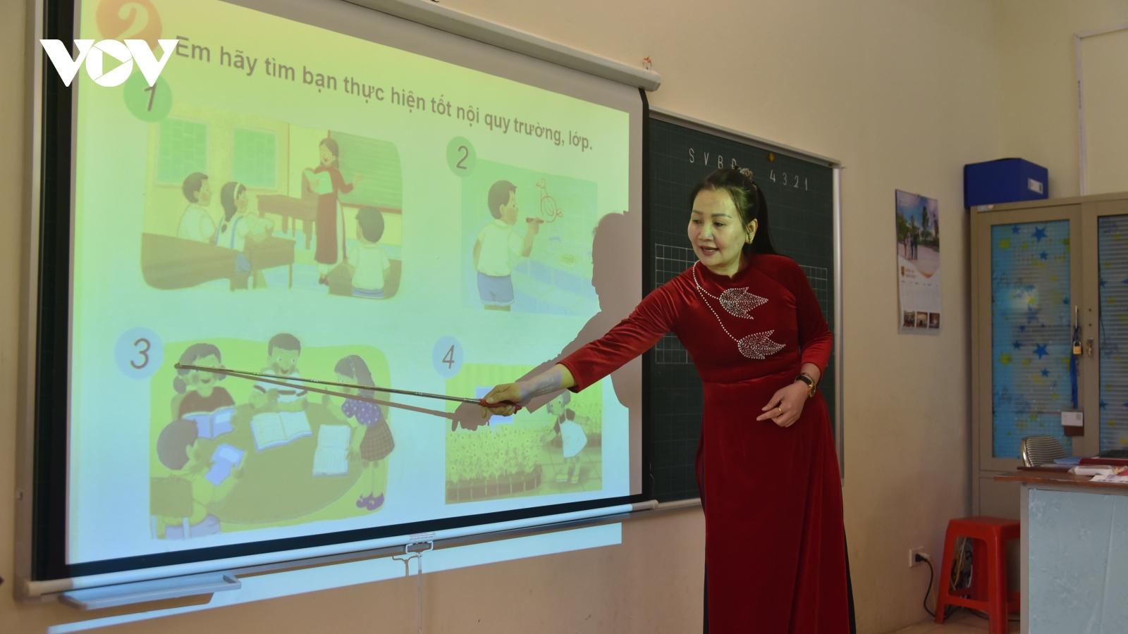 """""""Khan hiếm"""" nguồn tuyển, địa phương thiếu hàng ngàn giáo viên cho Chương trình GDPT mới"""