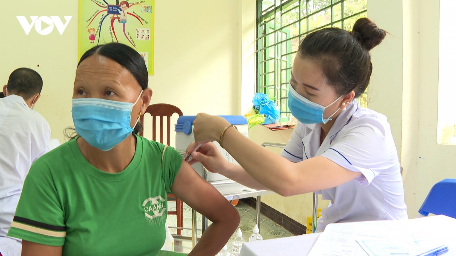 Quảng Ninh phấn đấu có miễn dịch cộng đồng sớm nhất