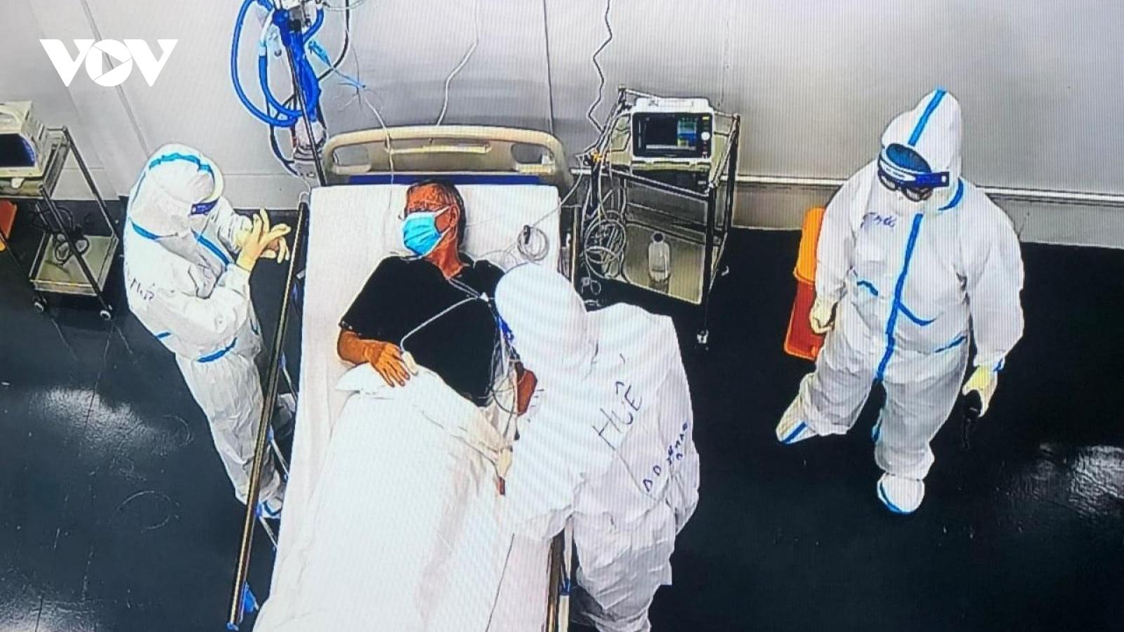Bệnh viện Trung ương Huế đưa robot vào điều trị bệnh nhân Covid-19 tại TP.HCM