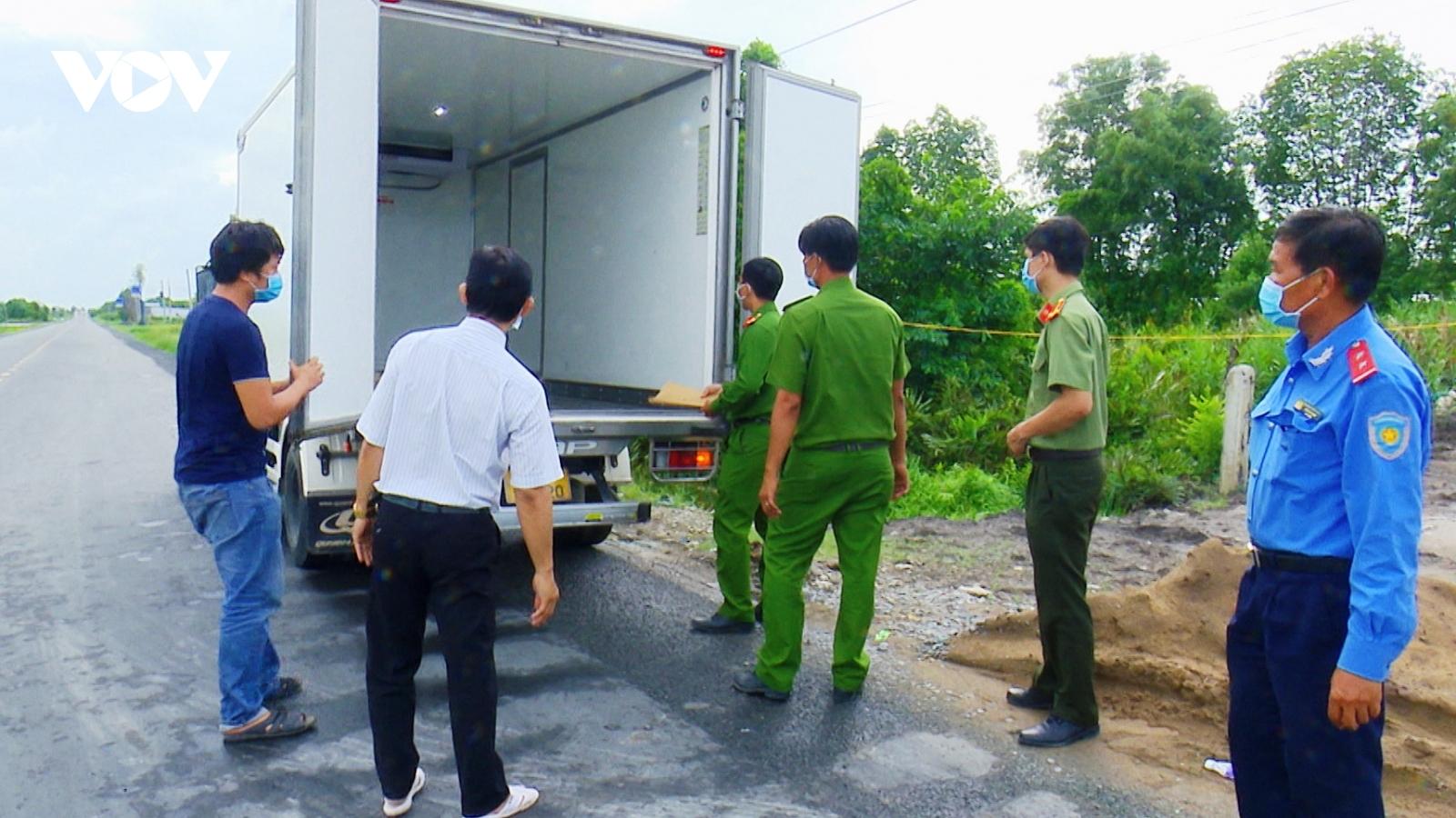 Một tài xế xe tải đi không đúng tuyến luồng xanh, cố tình vượt chốt
