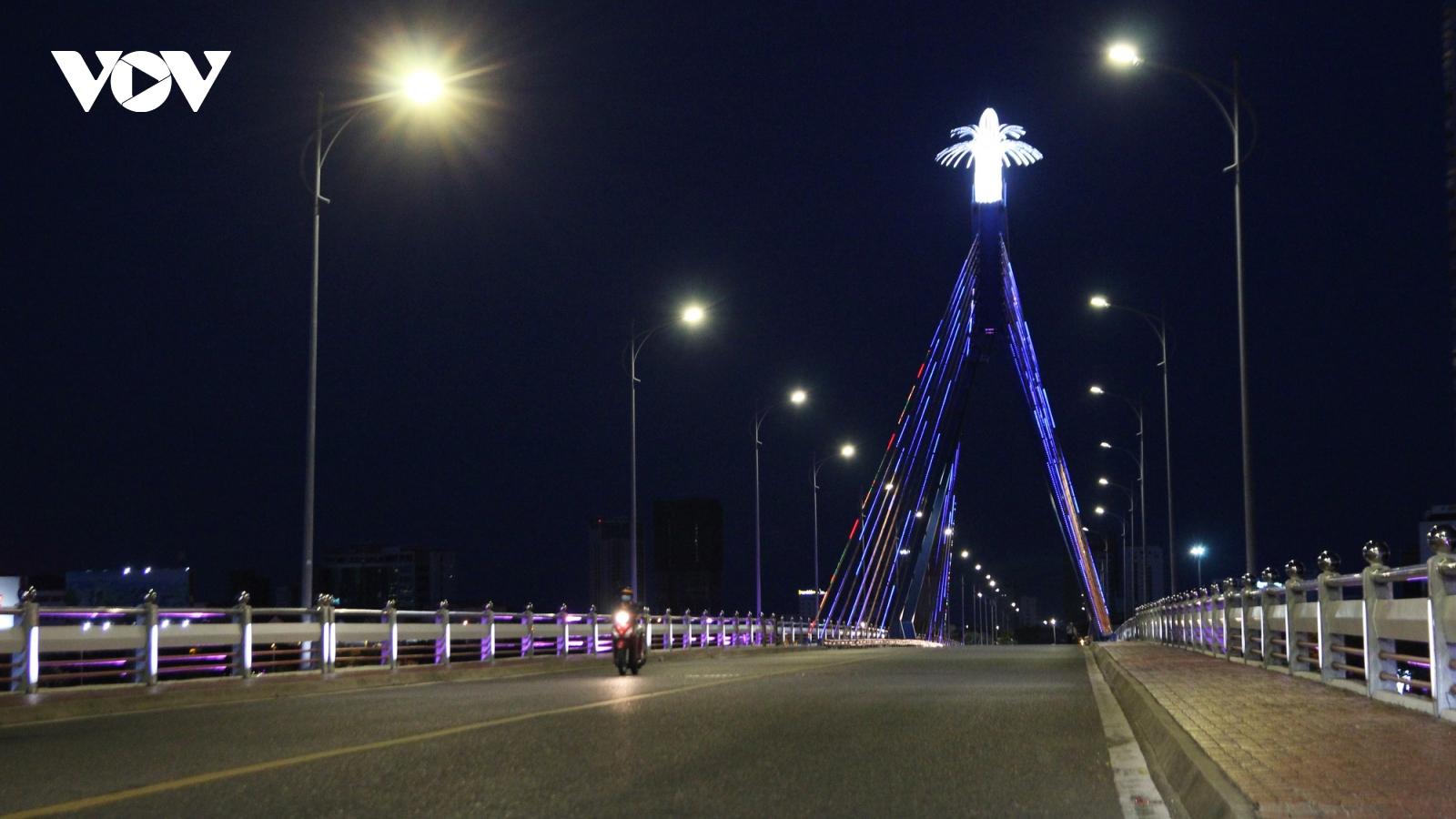 Phát sinh 77 ca mắc mới, Đà Nẵng đóng cầu Thuận Phước và cầu Sông Hàn