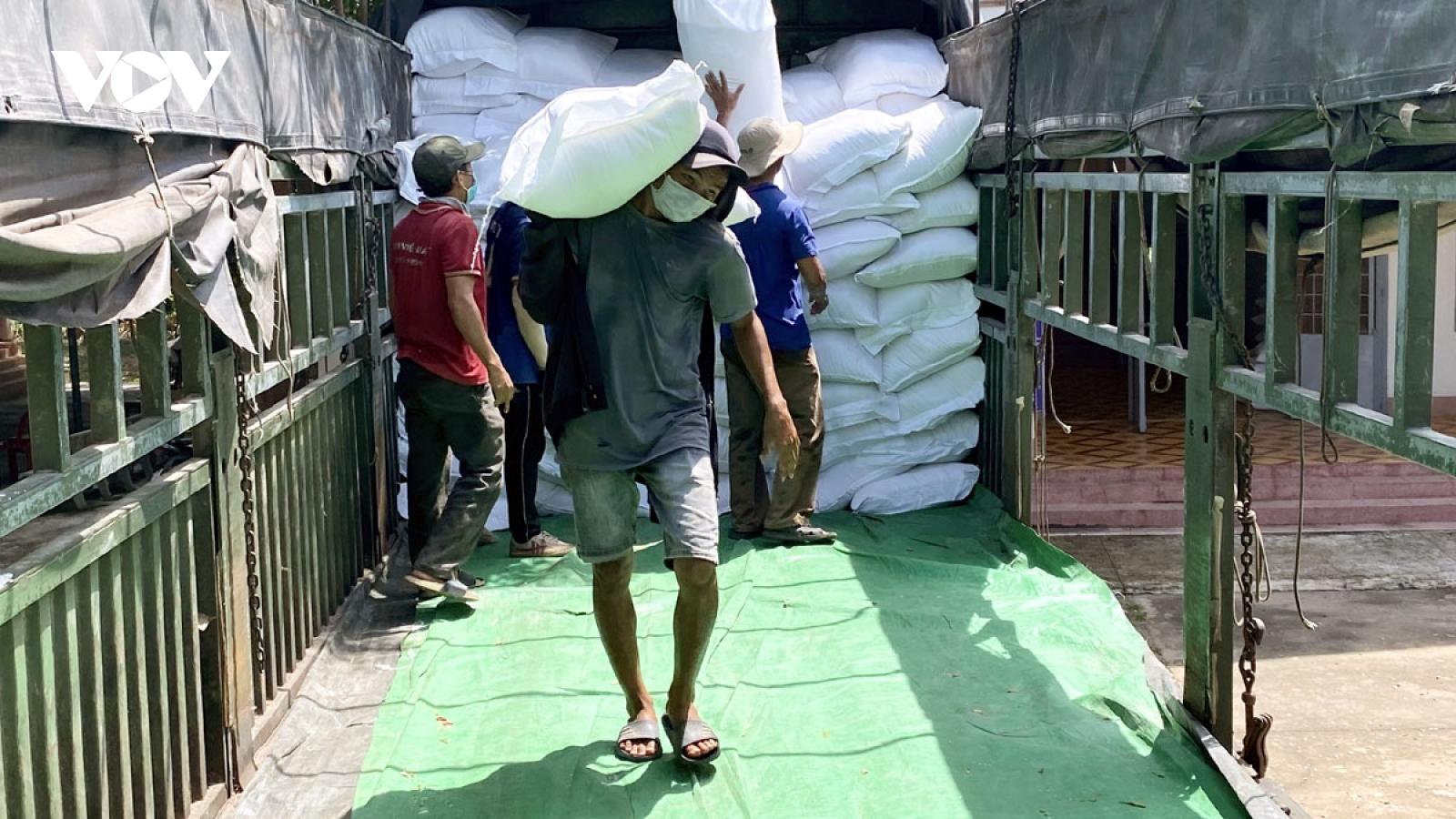 73.000 người dân Đắk Lắk và Đắk Nông nhận hơn 1.100 tấn gạo cấp phát
