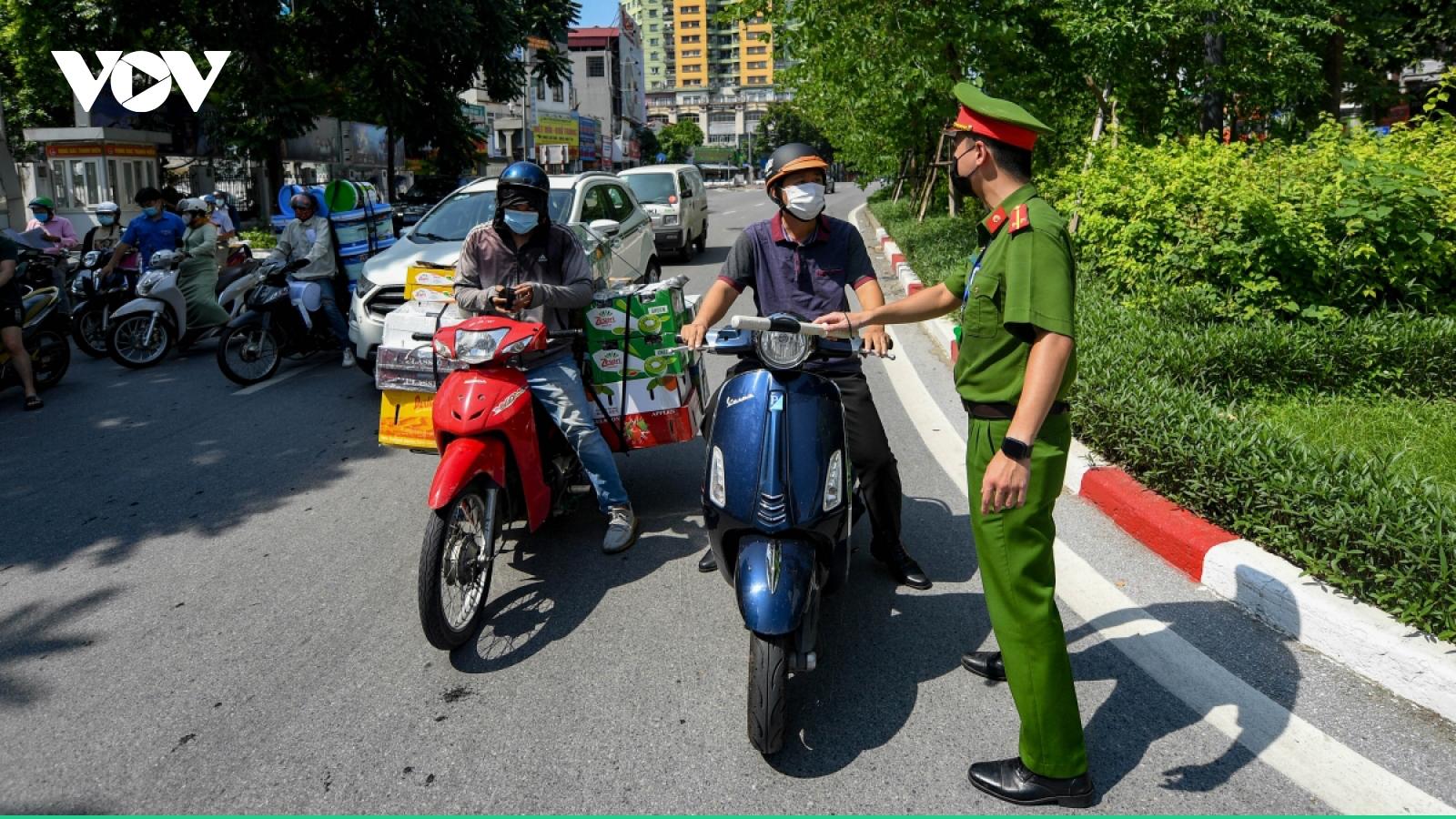 1 tháng giãn cách, Hà Nội xử phạt trên 26.000người ra đường không có lý do chính đáng